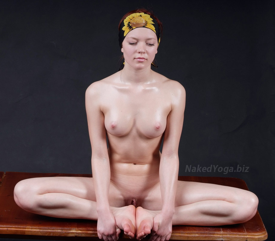 Russian yoga naked — photo 6